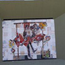 Beso robado en primavera, 2007 Mosaico bizantino sobre mármol 4 x 3 m Paseo de Santa Lucía Monterrey, Nuevo León Archivo CENIDIAP/INBA